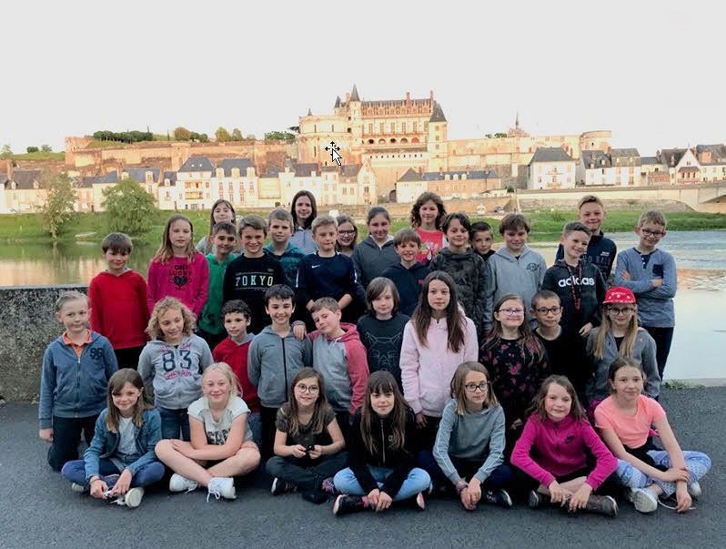 Devant le château d'Amboise